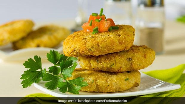 Indian Cooking Tips: How To Make Chicken Galouti Kababs, Awadhi-Style!