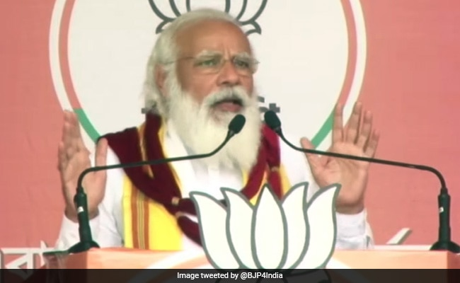 Watch: PM Pauses Speech In Bengal To Help Elderly Woman