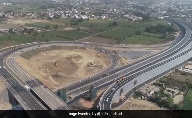 '2.5 Hours To 45 Minutes': Anand Mahindra Psyched About This New Highway