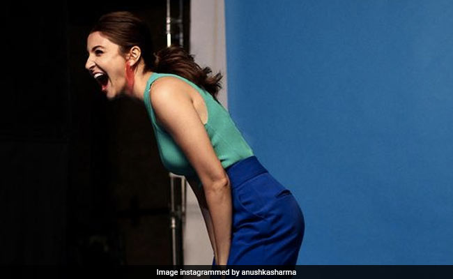 Dear Monday, Why Can't You Look Like Anushka Sharma In This Pic?