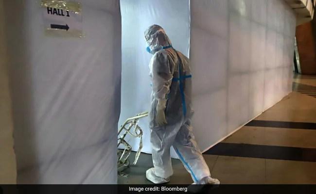 'It's Like A War': Inside A Delhi Hospital Desperate For Oxygen