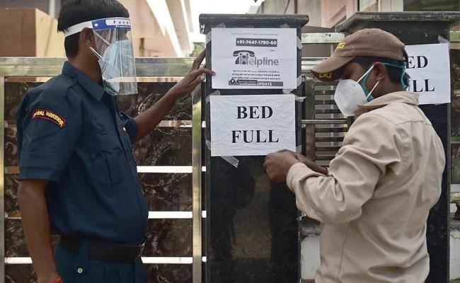 कोरोना के बढ़ते मामलों के बीच दिल्ली में बढ़ सकता है लॉकडाउन, 10 बातें