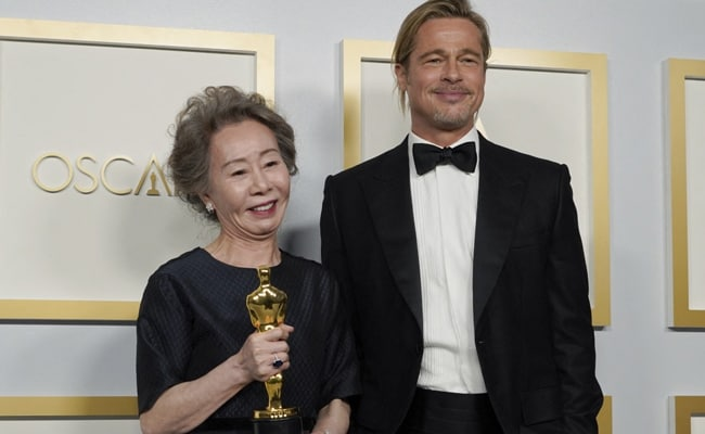 Oscars 2021 - Asked What Brad Pitt Smells Like, Youn Yuh-jung Kills It. Her ROFL Reply