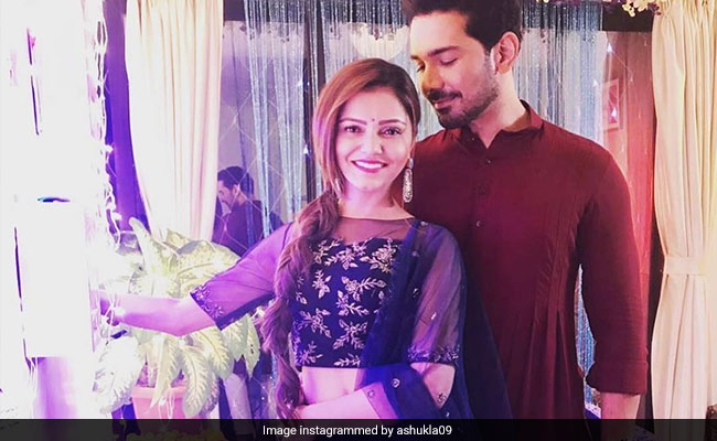 'Life Is Incomplete Without You': Abhinav Shukla For COVID+ Wife Rubina Dilaik, Recovering In Shimla