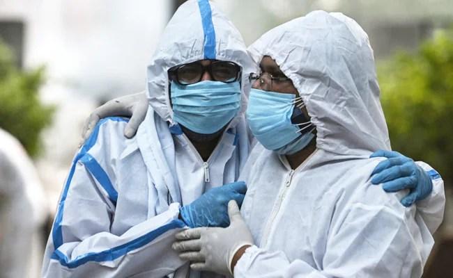 भारत 3.11 लाख ताजा कोविड मामले देखता है, 4,077 मौतें: 10 अंक Point