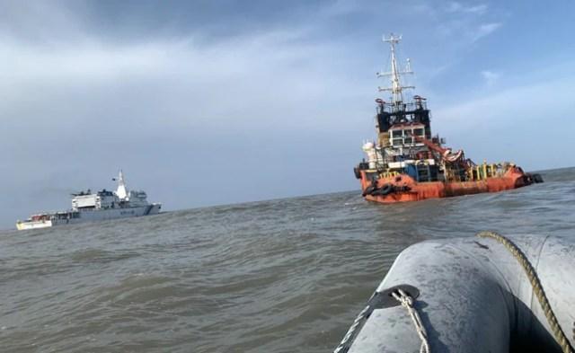 ताउते का कहर: चार दिनों से ONGC के 36 कर्मी अब भी लापता, नौसेना का सर्च अभियान जारी