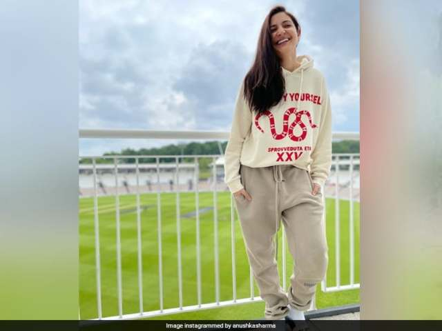 Anushka Sharma Wows Fans With Pic From Ageas Bowl But Caption On Virat Kohli Is The Real Winner