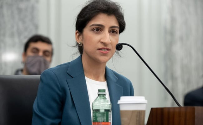 Big Tech Critic Lina Khan Becomes US Federal Trade Commission Chair