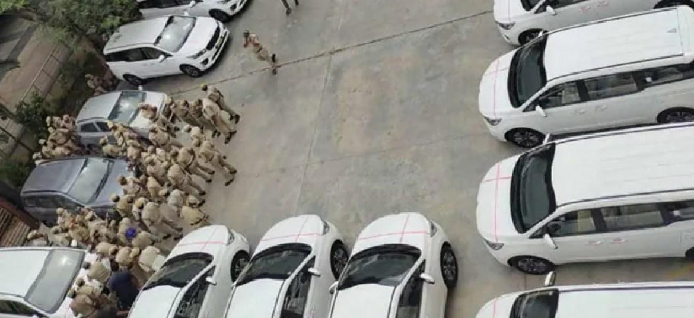 तेलंगाना ने नौकरशाहों के लिए 11 करोड़ रुपये में 32 कारें खरीदीं, कोविद के दौरान छींटाकशी के लिए सरकार पर हमला किया
