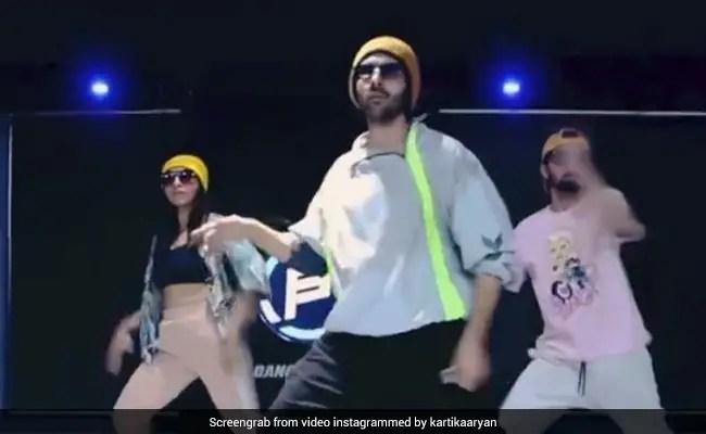 Kartik Aaryan Danced To Allu Arjun's Butta Bomma And We Are Impressed
