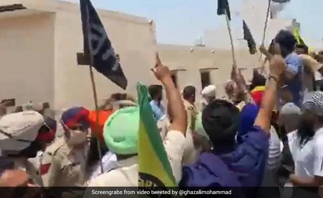 Now, Congress's Manish Tewari Faces Farmers' Protest In Punjab