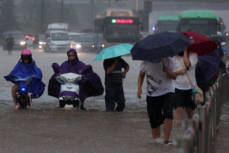 China Flooding 'Extremely severe': Xi Jinping