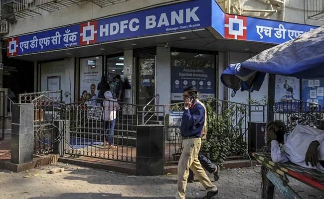 निजी ऋणदाताओं के भारत की वसूली में राज्य द्वारा संचालित बैंकों से बेहतर प्रदर्शन की संभावना है