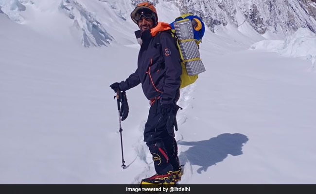 IIT Delhi Alumnus Scales Mount Everest Within 7 Weeks Of Recovering From Covid