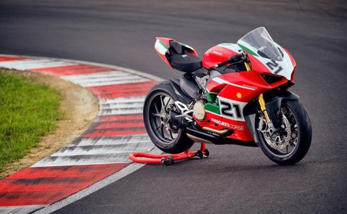 Ducati Panigale V2 Troy Bellis Special Edition has been unveiled to honor Ducati's renowned racer