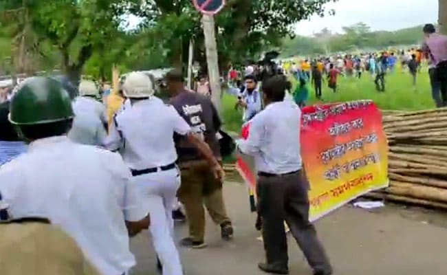 Football Fans Protest Against Club Investor, Clash With Cops In Kolkata