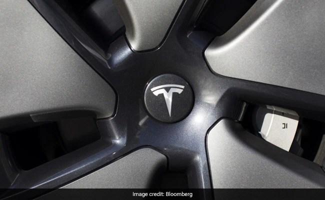 टेस्ला ने सेल्फ-ड्राइविंग तकनीक पर बहुत बड़ा दांव लगाया है