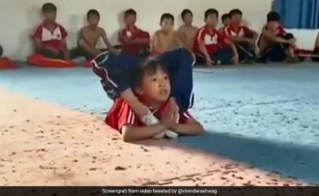 वायरल वीडियो: इस लड़की के जिमनास्टिक रूटीन ने किया प्रभावित नादिया कोमनेसी, वीरेंद्र सहवाग