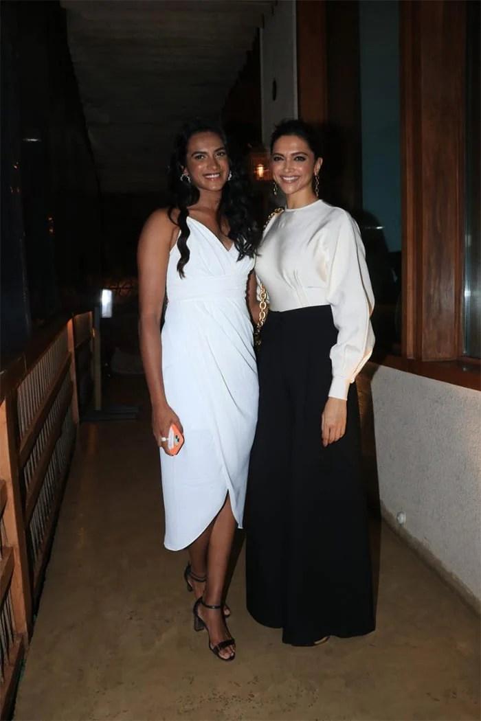 "Deepika Padukone And Ranveer Singh Had A ""Smashing Time"" With PV Sindhu At  Dinner | Itihaas Hamari Nazar Se"