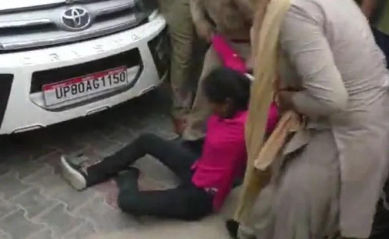 'सर...': बहन की डेंगू से मौत पर यूपी अधिकारी से महिला की अपील
