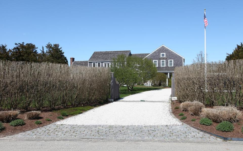 On Nantucket Wealthy Residents Oppose Housing For