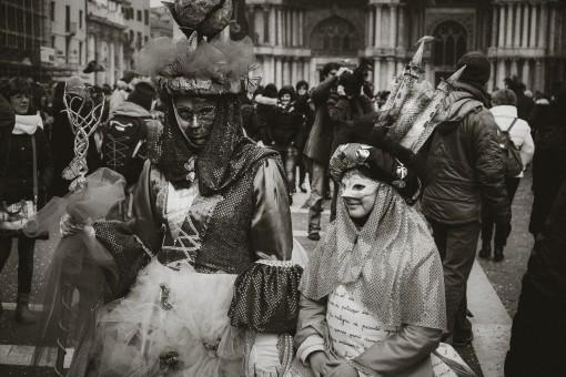картинки человек черное и белое люди улица городской