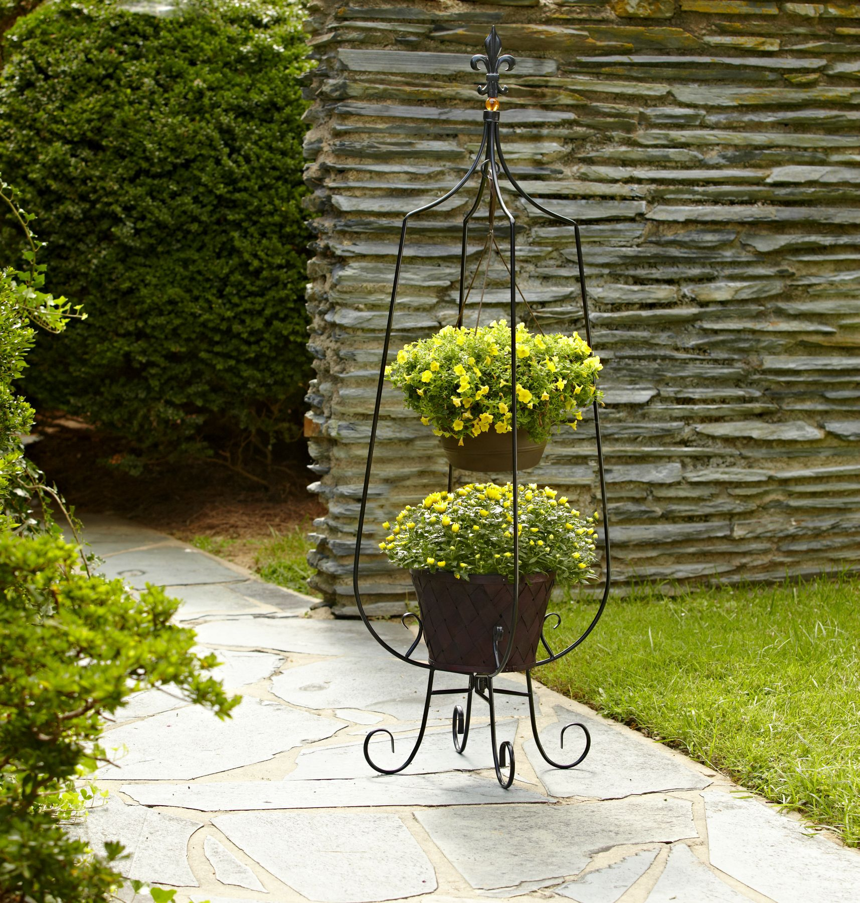 Garden Oasis Deluxe Hanging Basket Plant Stand on Hanging Stand For Plants  id=51599