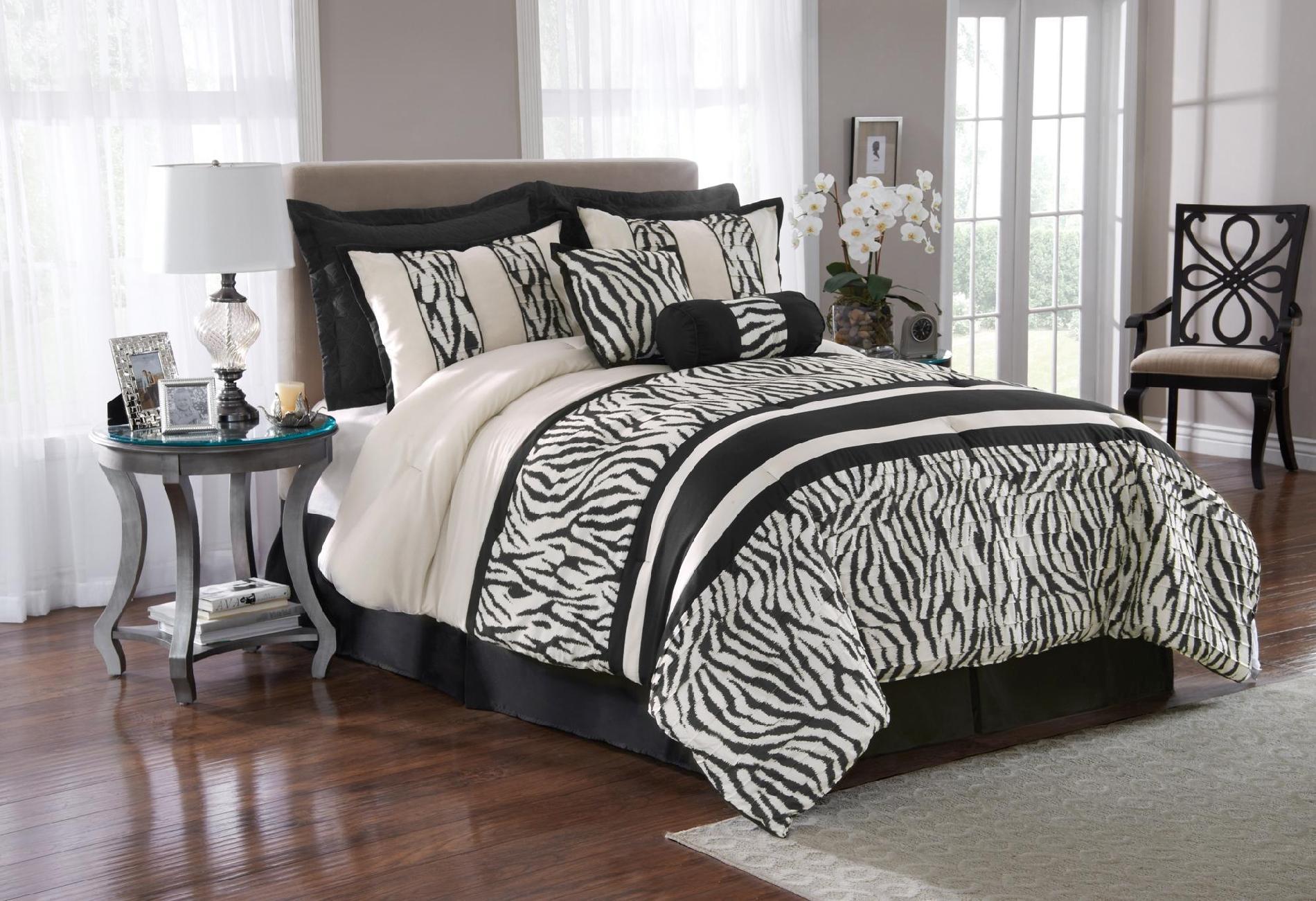 The Great Find 8 Piece Zebra Print Bedding Set Home