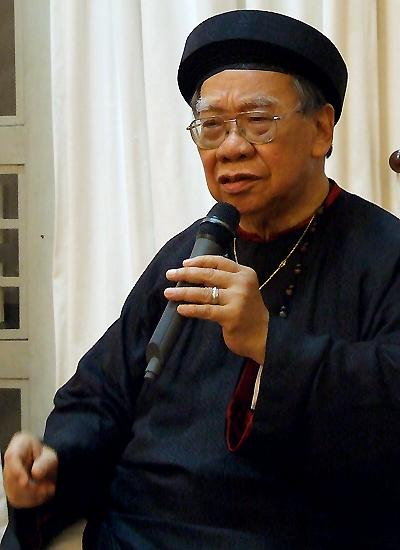 Giáo sư Trần Văn Khê