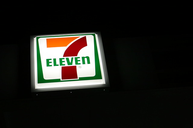 7 Eleven Sign at night