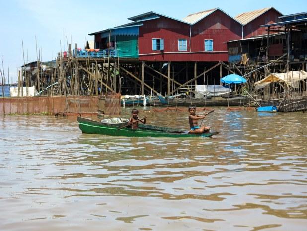 Aldea flotante Camboya