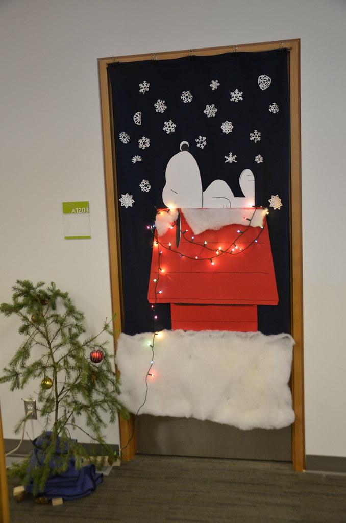 Christmas Door Decorating Contest University Of The