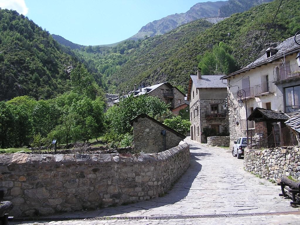 pueblo de Erill la Vall Pirineos Lerida 01