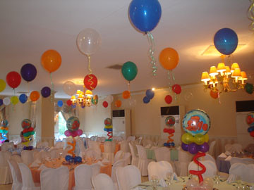 Floating Balloons For A Nemo Party The Table