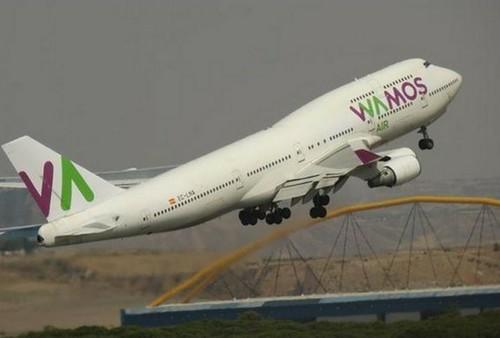 Pasajeros denuncian encierro en vuelo en Madrid con destino a Cancún