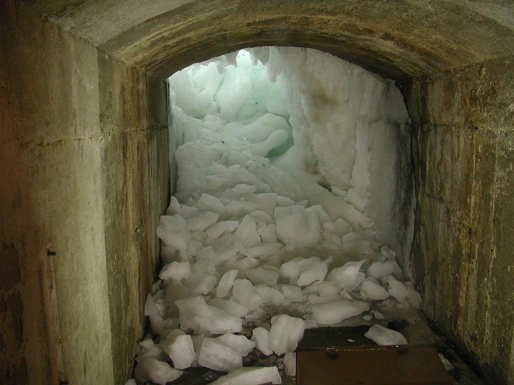 Tunnel Under Niagara Falls Cool Tunnel Which I Think