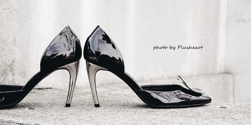 ▌Outfit ▌ Oh! So Sexy ‧ 我的第一雙金屬跟! Roger Vivier Dorsay Sexy Choc patent leather pumps
