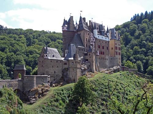 06-Eltz Castle