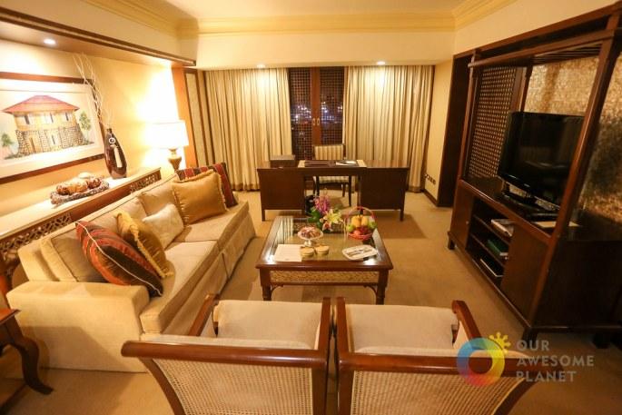 Manila Hotel Junior Suite-2.jpg
