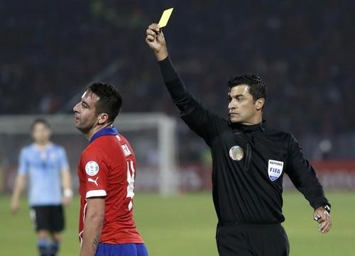Árbitro criticado por Gerardo Martino dirigirá Argentina-Paraguay