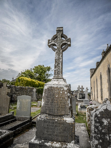 Kilfenora Cathedral and High Crosses-005