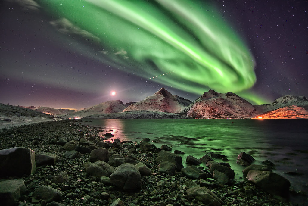 Aurora over beautiful Mountains