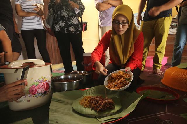 Cooking Nasi Ambeng