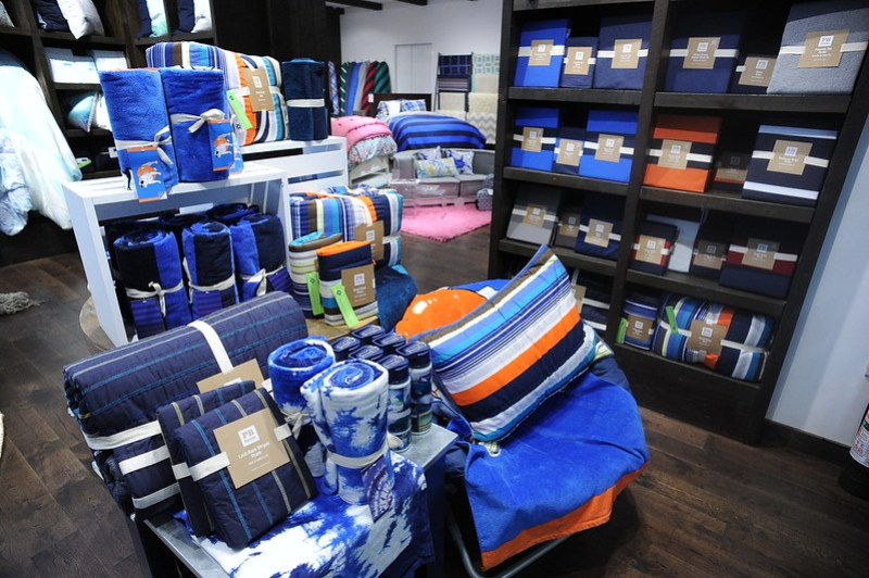 PBteen Store in Estancia, Capitol Commons