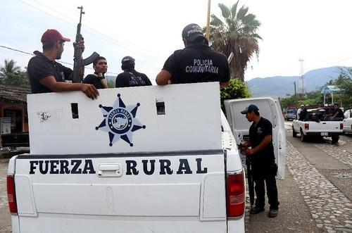 Bloqueos en Michoacán; exigen liberación de autodefensas