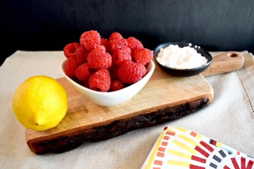 raspberry sauce ingredients