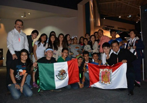Estudiantes mexicanos ganan en encuentro organizado por la NASA