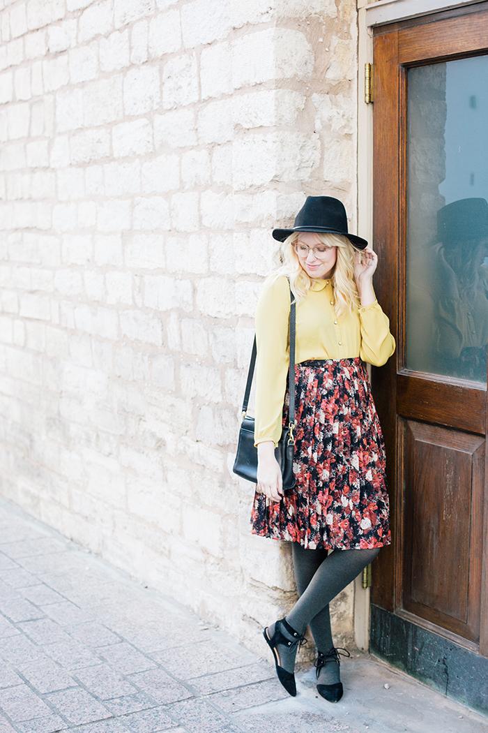 austin fashion blogger floral midi skirt winter outfit2