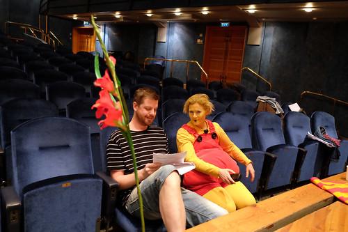 Nasse hittar en stol – Tobias Almborg och Åsa Forsberg
