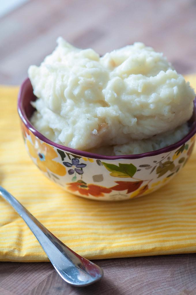Roasted Garlic Parmesan Mashed Potatoes 2